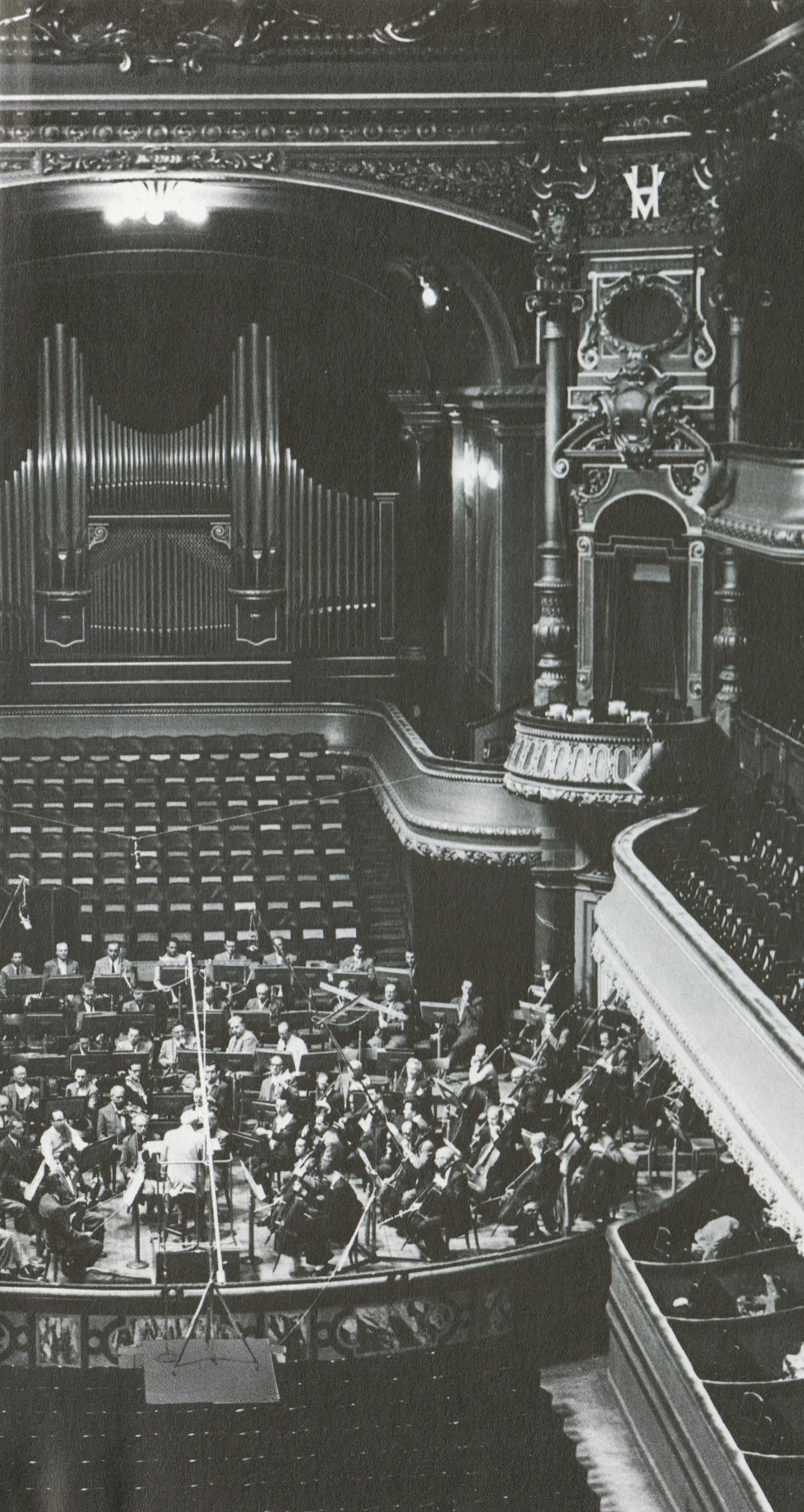 Orchestre de la Suisse Romande et Ernest Ansermet pendant une session d'enregistrement de Decca au Vicoria-Hall de Genève, Cliquer sur la photo pour une vue agrandie et les références