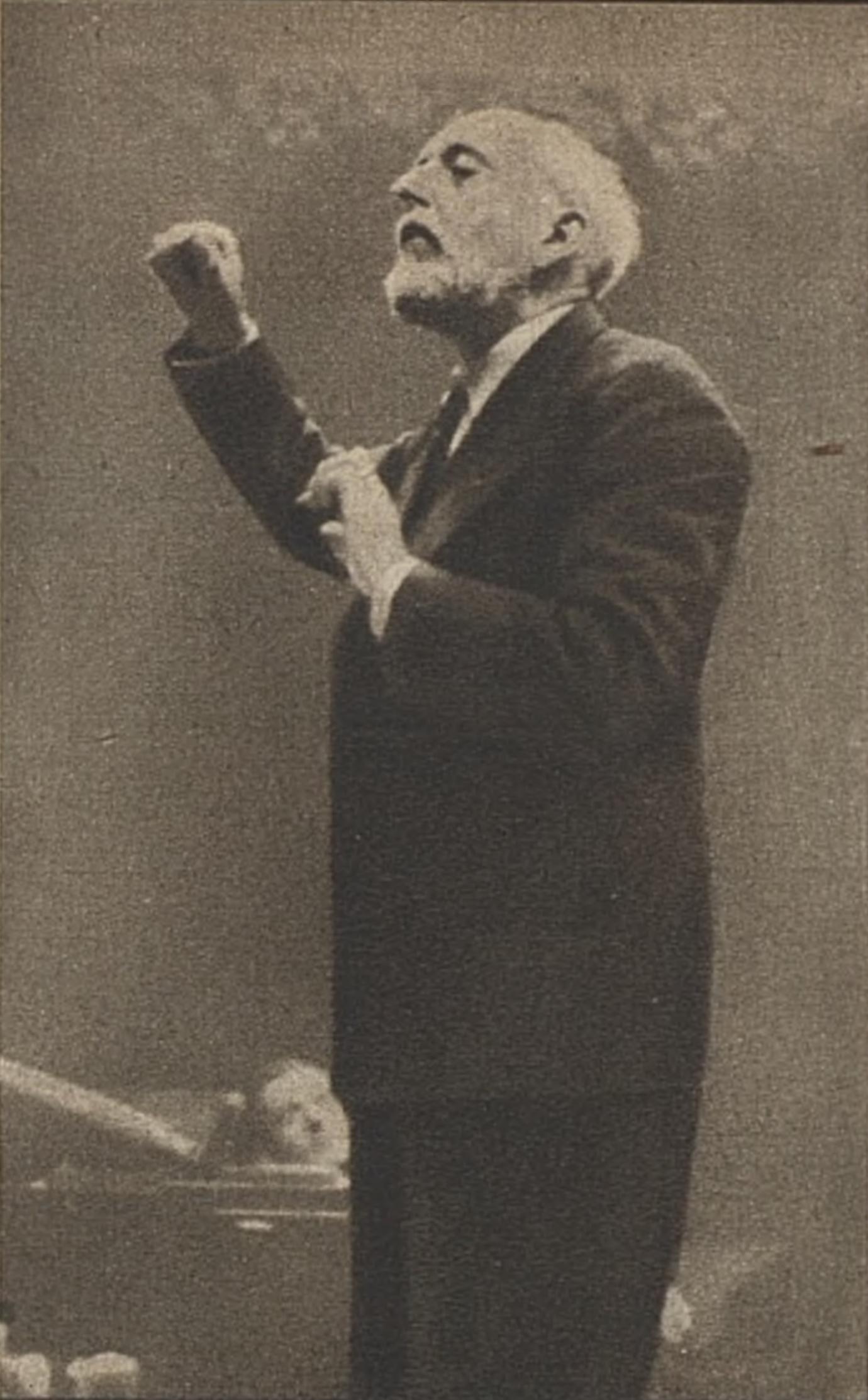 Ernest Ansermet en 1945, photo F.Bertrand, portrait publié dans la revue L'Illustré du 18 octobre 1945, No 42, page 21