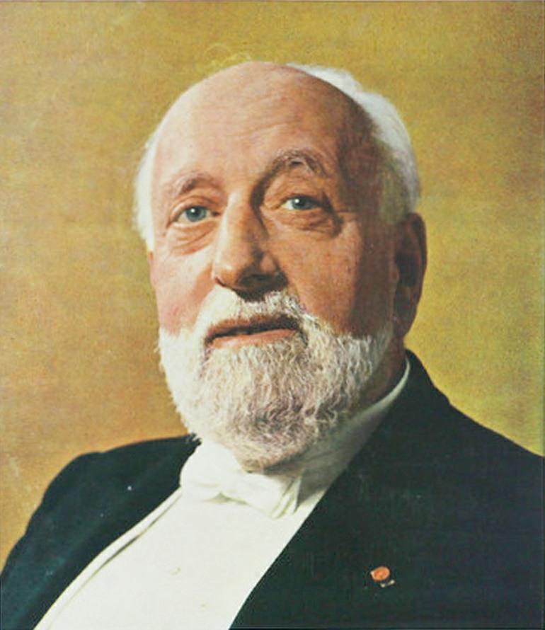 Ernest ANSERMET vers le milieu des années 1950, un portrait publié - entre autres - sur la pochette du disque Decca SXL 2188, mars 1960