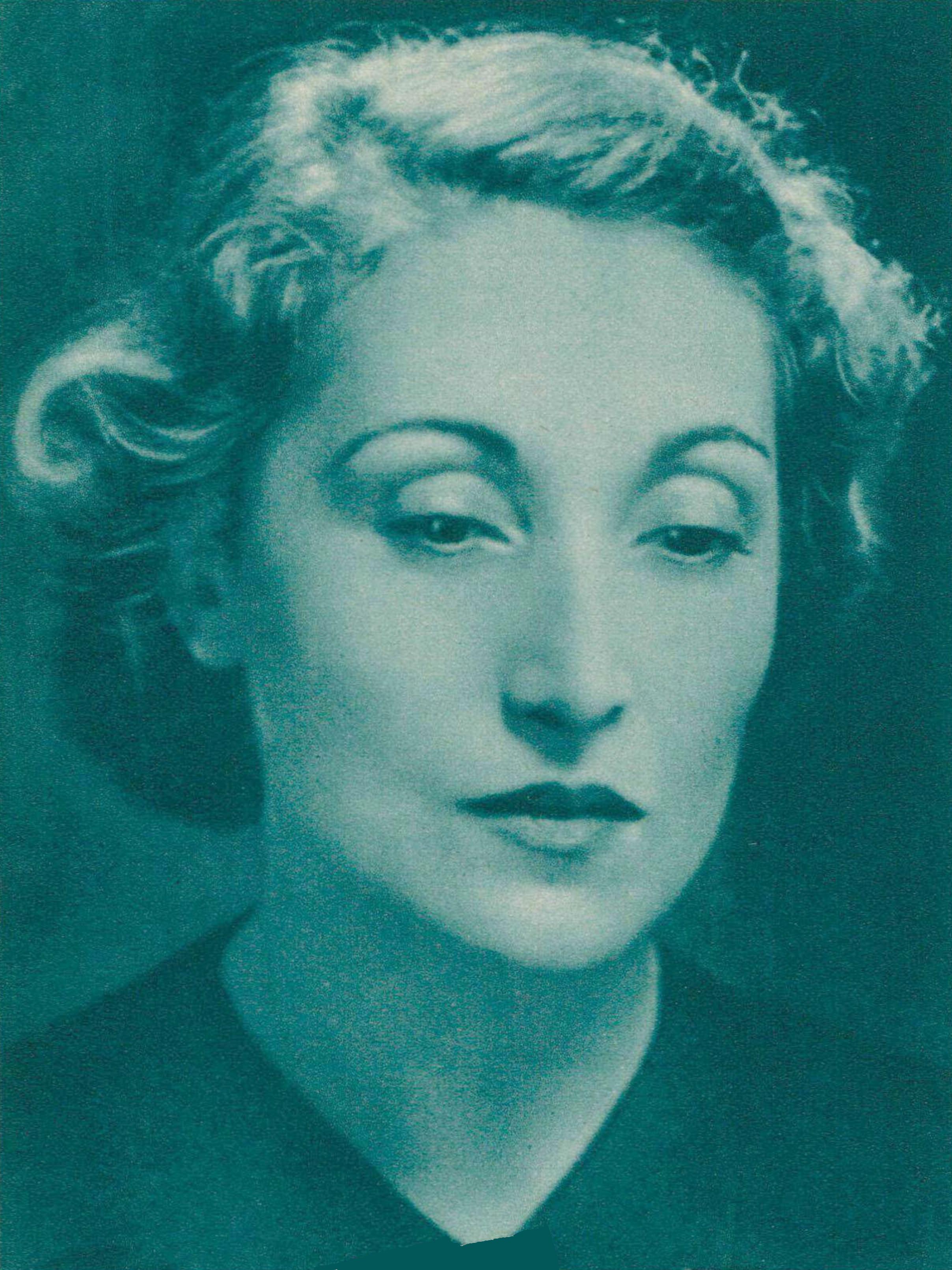 Jacqueline Blancard, un portrait fait par Germaine Martin, photographe à Lausanne, publié - entre autres - dans la revue Radio Actualités du 15 octobre 1942, No 42, en page 1320