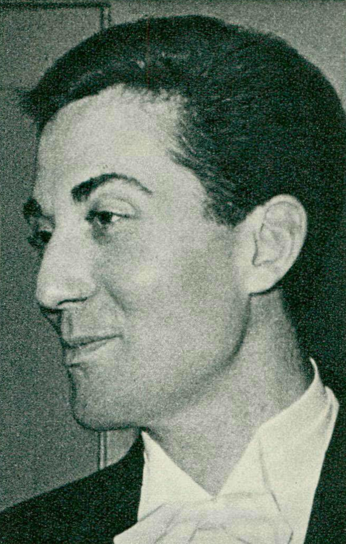 Aldo CICCOLINI, une photo de Fedia Müller publiée dans la revue Radio je vois tout TV du 18 août 1966, No 33, page 47, D.R., cliquer pour une vue agrandie