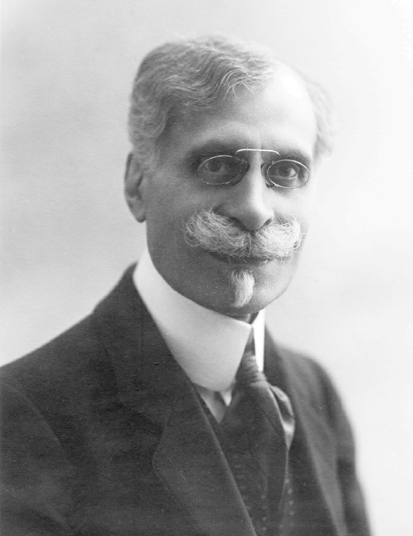 Maurice EMMANUEL vers 1920