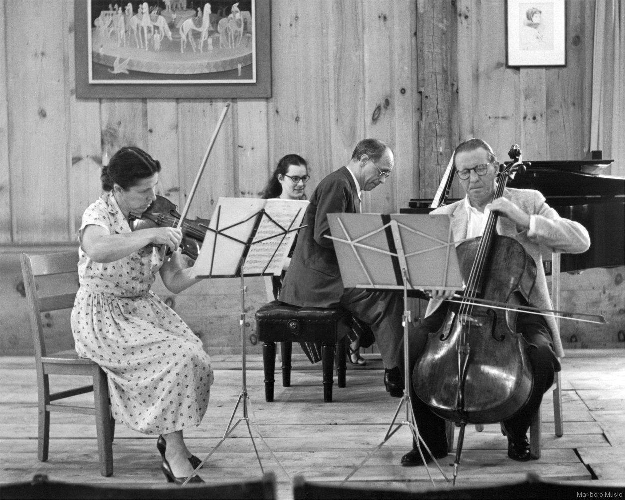 Blanche HONEGGER, Rudolf SERKIN et Hermann BUSCH à Malboro dans les années 1950