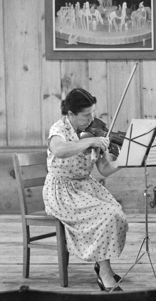 Blanche HONEGGER, Malboro dans les années 1950, Cliquer sur la photo pour une vue agrandie et quelques infos