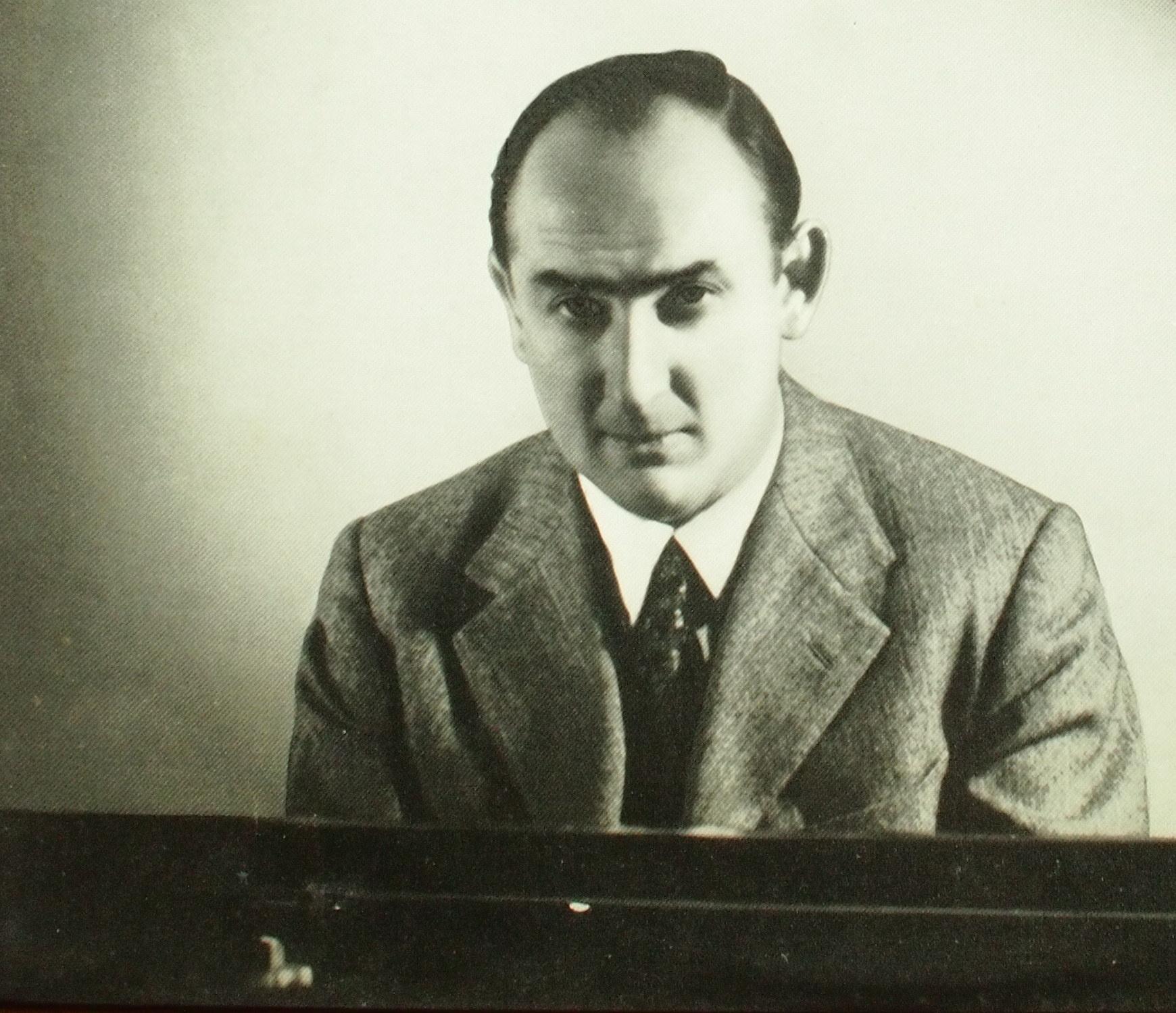 Nikita MAGALOFF, une photo publiée entre autres sur la pochette du disque LXT 5318