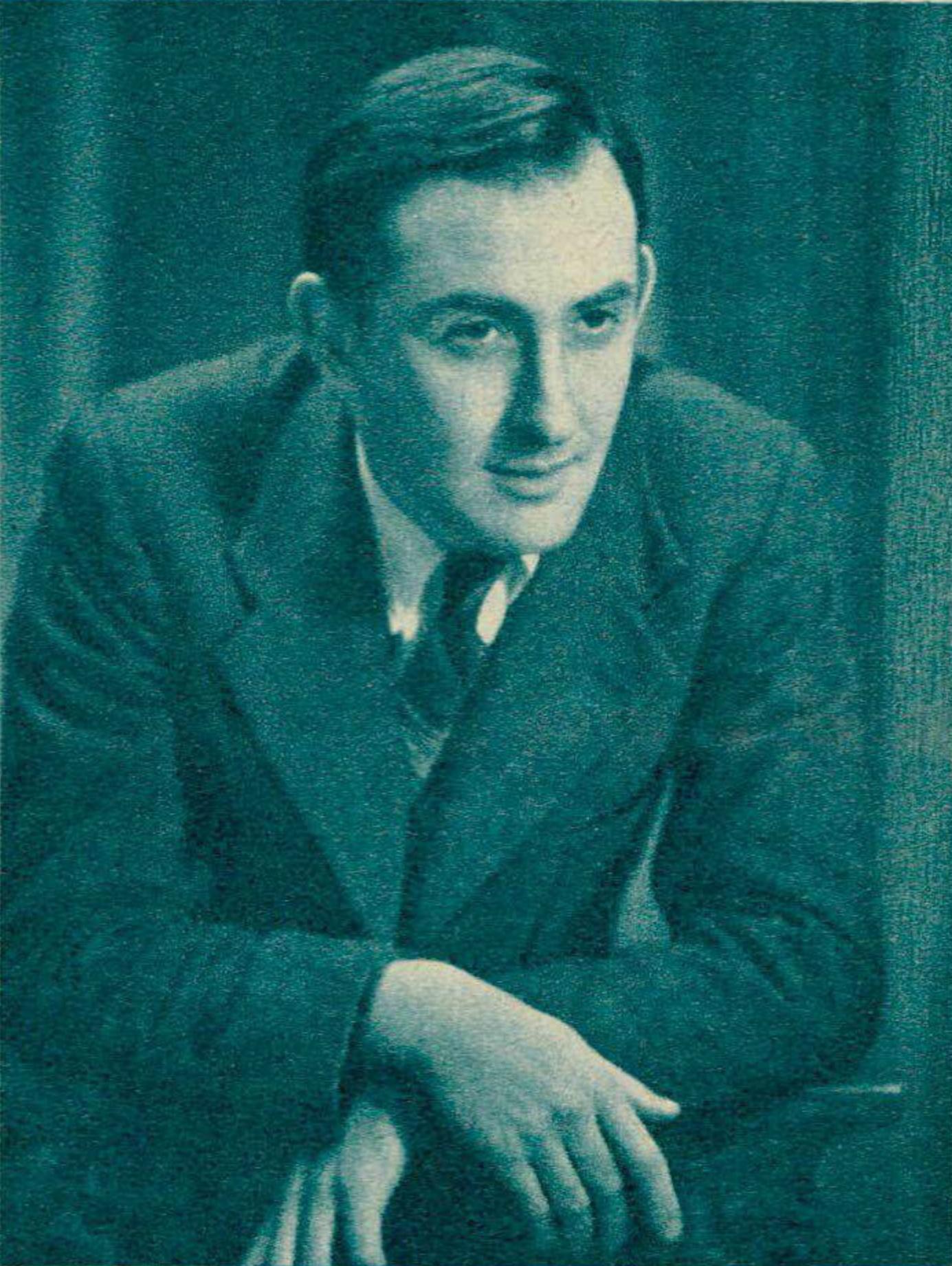 Nikita MAGALOFF, un portrait publié - entre autres - dans la revue Le Radio du 6 septembre 1940 en page 1105, cliquer pour une vue agrandie