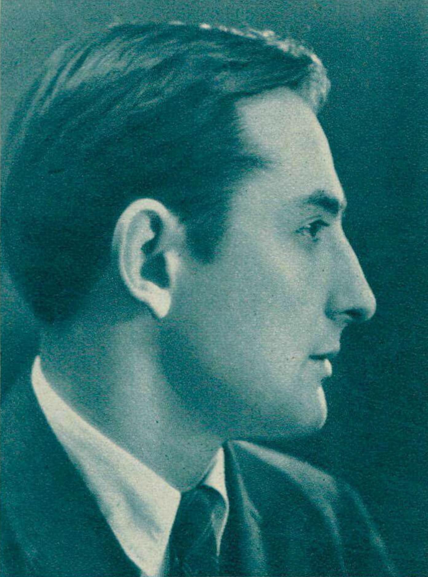 Nikita MAGALOFF, un portrait fait par ?? publié entre autres dans la revue Radio Actualités du 23 janvier 1942 en page 107, Cliquer sur la photo pour une vue agrandie