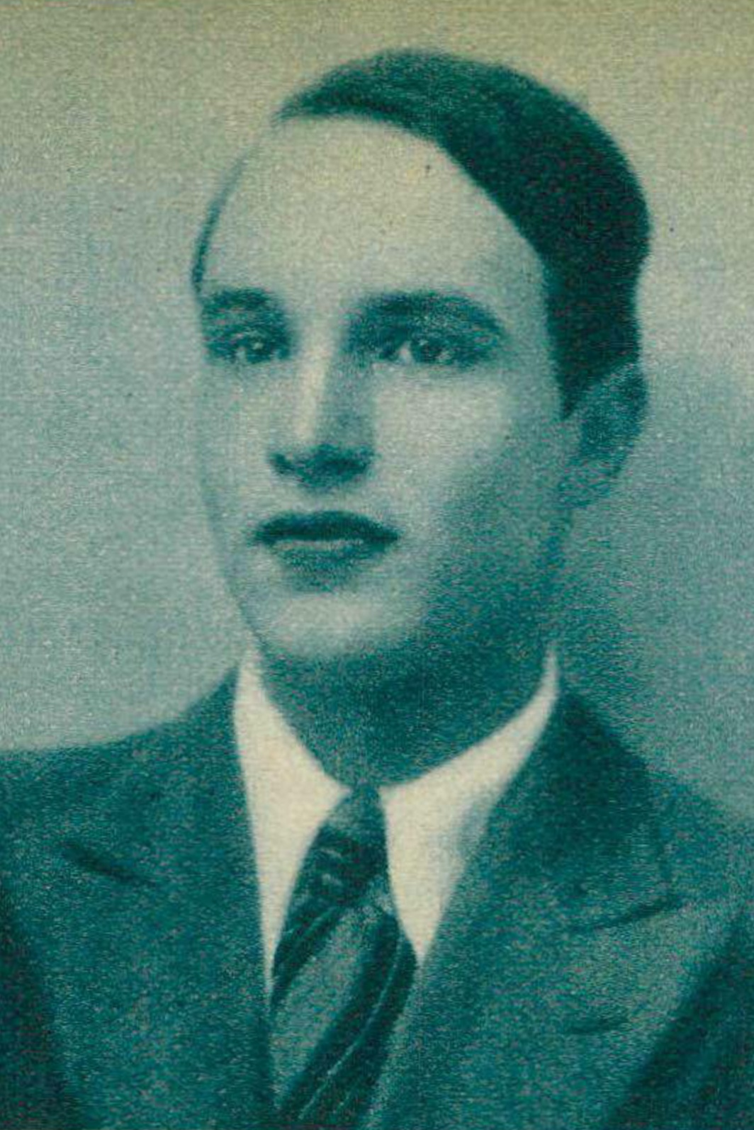 André PERRET, un portrait fait par Photo Helios publié entre autres dans la revue Le Radio du 22 octobre 1937 en page 1750