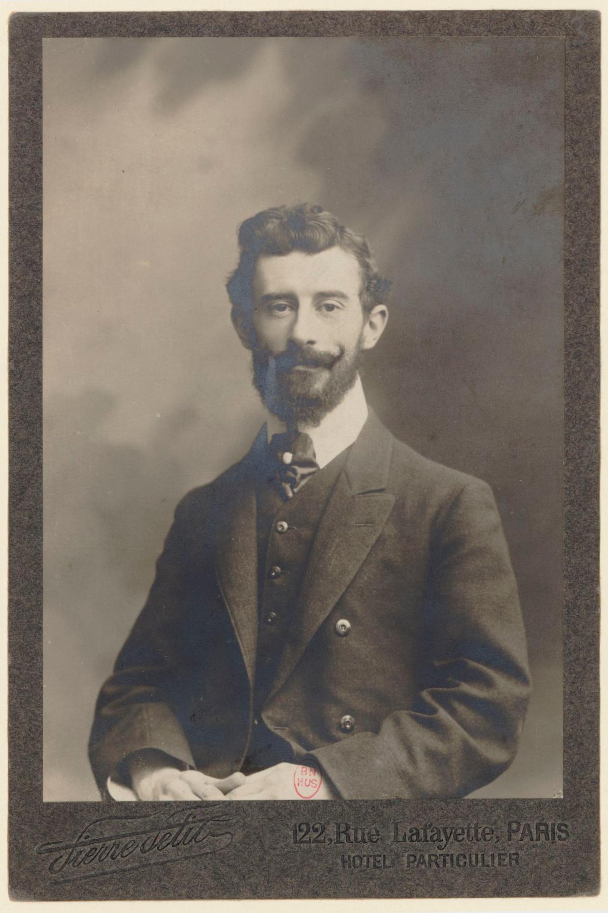 Maurice RAVEL en 1907, un portrait fait par Pierre PETIT, cliquer pour une vue agrandie et plus d'infos