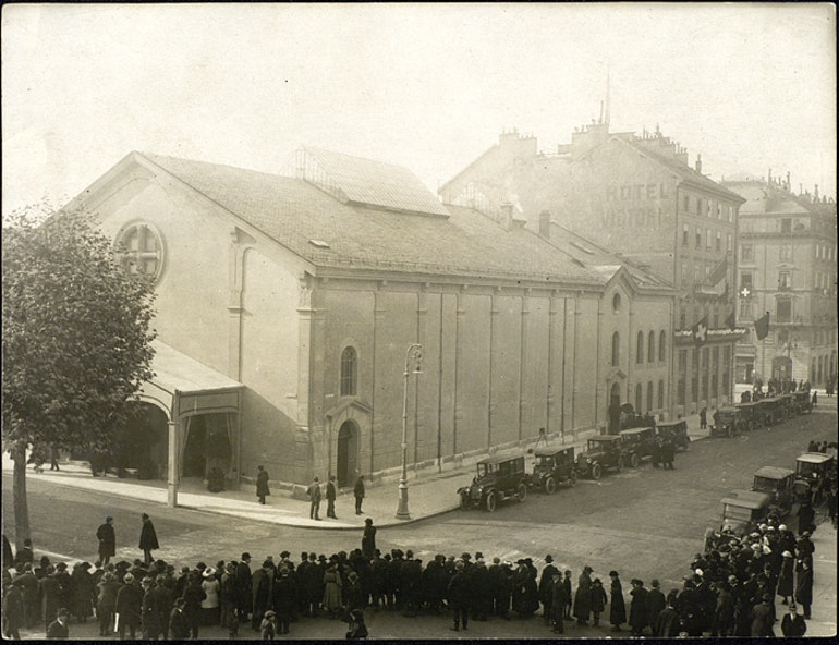 Salle de la Réformation et hôtel Victoria