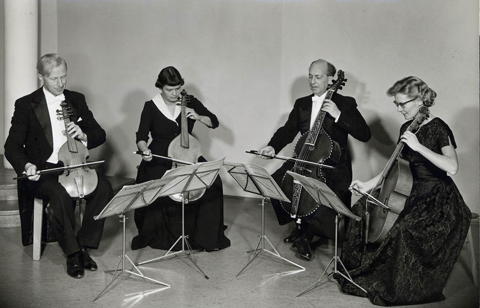 Le Quatuor de viole de gambe d'August Wenzinger, avec Marianne Majer, Johannes Koch et Hannelore Müller